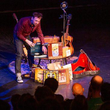 Prachtige muziek onderbouwd met humoristische verhalen: Tim Knol